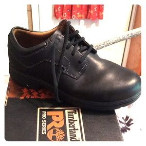 New steel toed work shoes